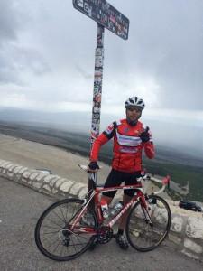 Tim op de Mont Ventoux; topper op de top!